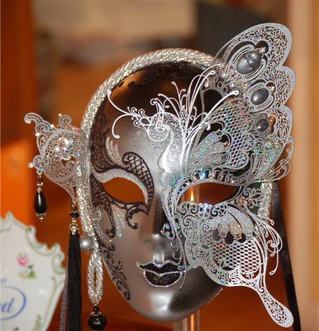 Les masques pour la personne largile et les huiles